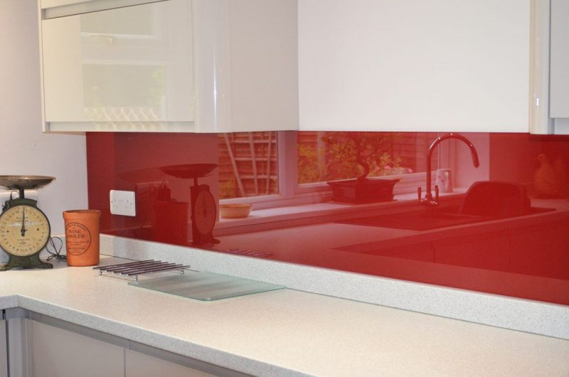 Red splashbacks