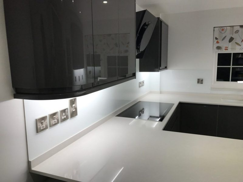 Splashbacks in Cobham