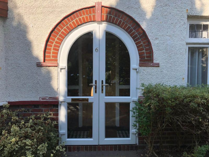 White uPVC arched door Byfleet 3