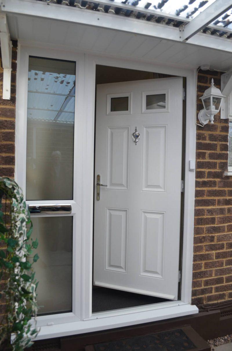 Composite door with sidepanel